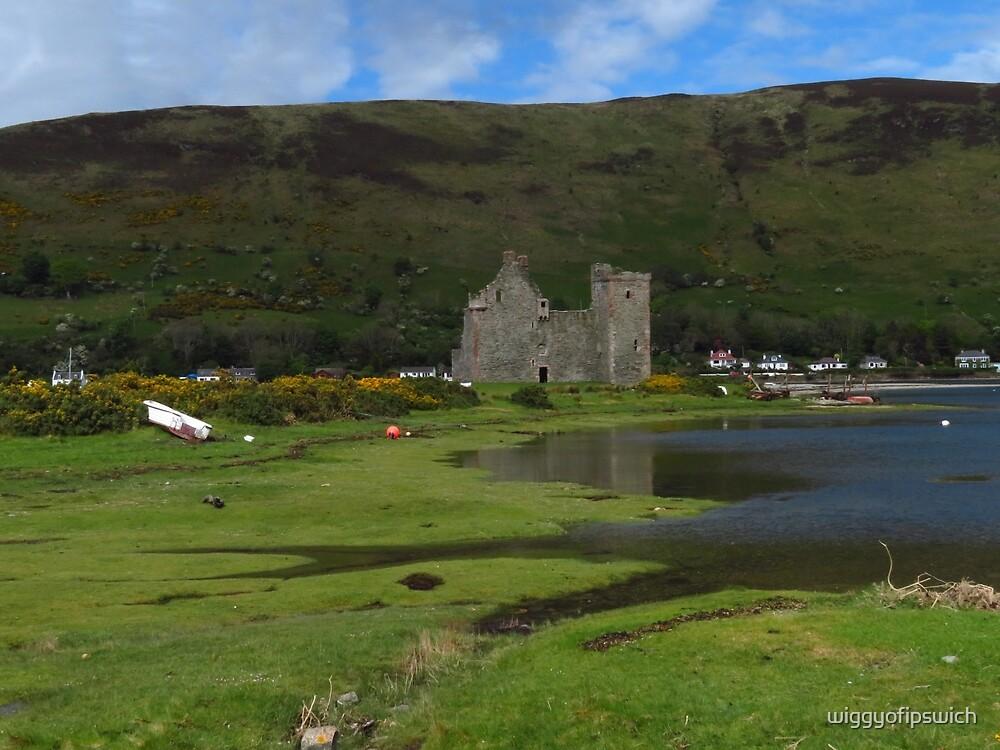 Lochranza Castle, Isle of Arran by wiggyofipswich