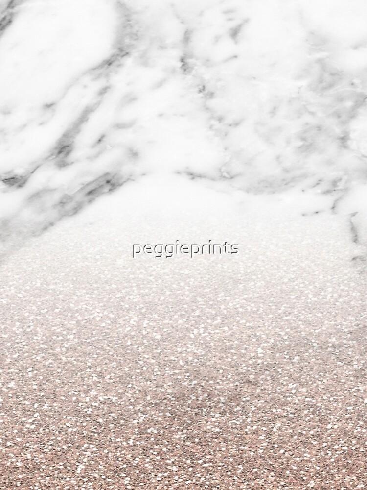 Rose Gold Glitter auf Marmor von peggieprints