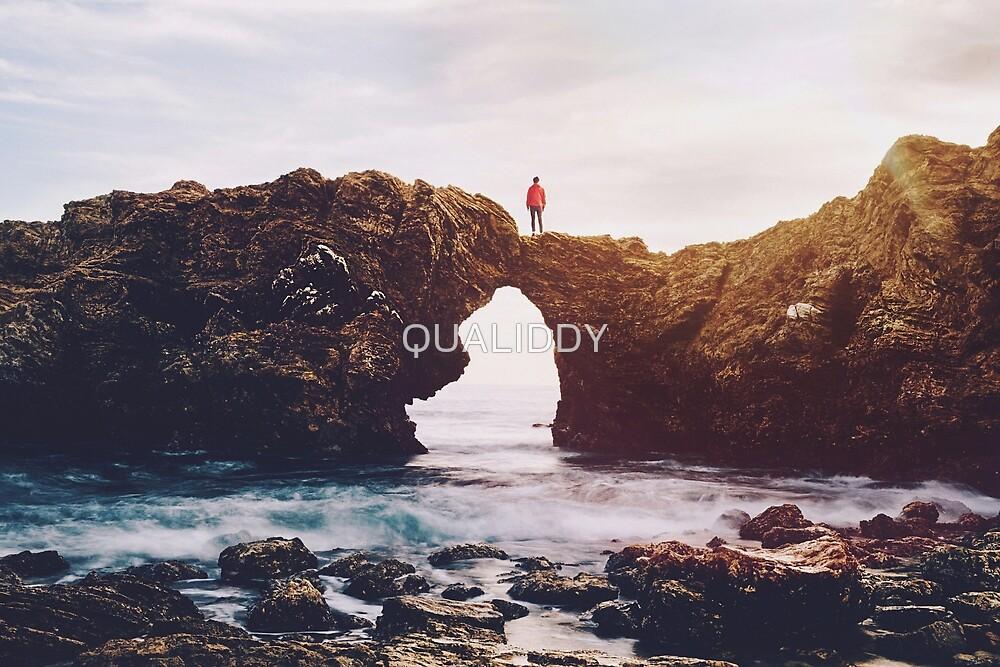 Waves and Rocks | Unsplash by QUALIDDY
