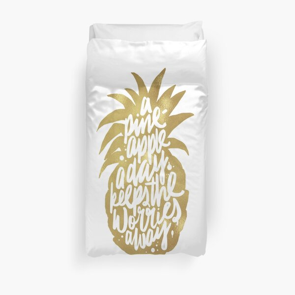 Gold pineapple a day Duvet Cover