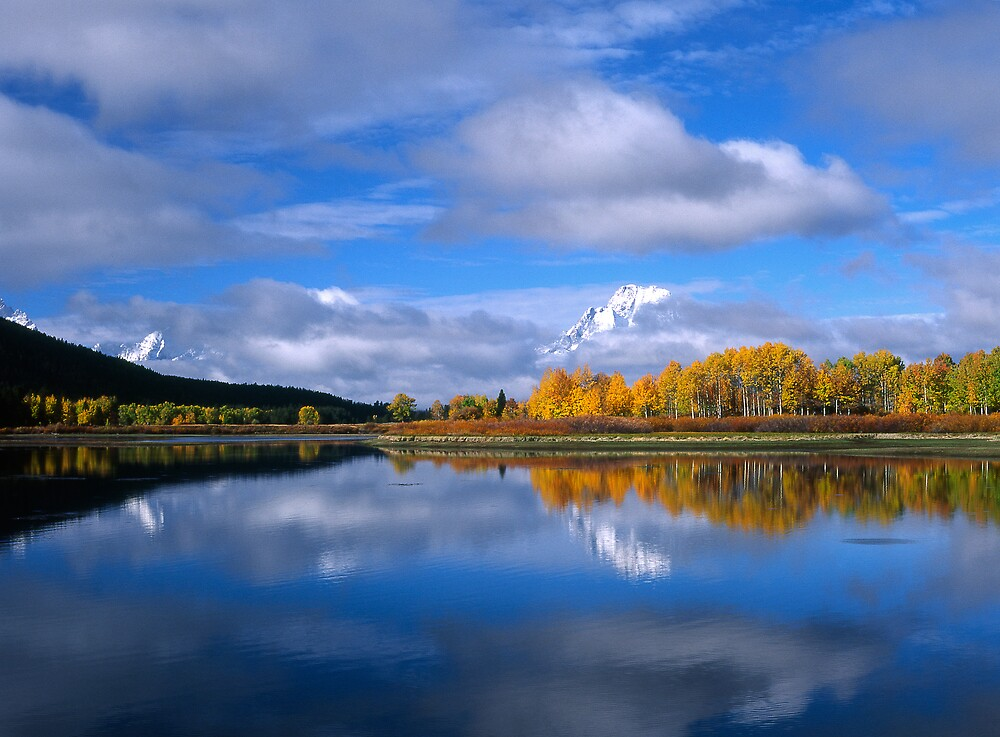 Fall Time on the Snake River/Oxbow Bend GTNP by GaryGlass