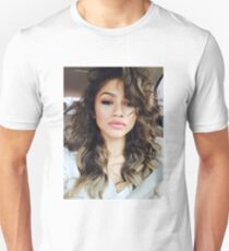 ZENDAYA Unisex T-Shirt
