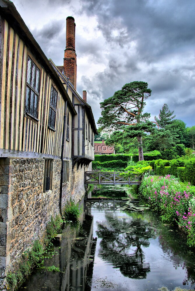 Summer at Ightham Mote! by duroo