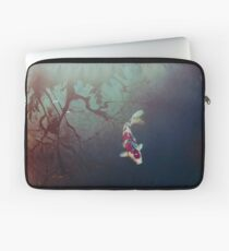 Pond of Reflection Laptop Sleeve