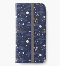 Kosmos, Mond und Sterne. Astronomie-Muster iPhone Flip-Case/Hülle/Klebefolie
