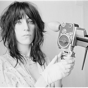 Patti Smith con una cámara de video de moviesncartoons