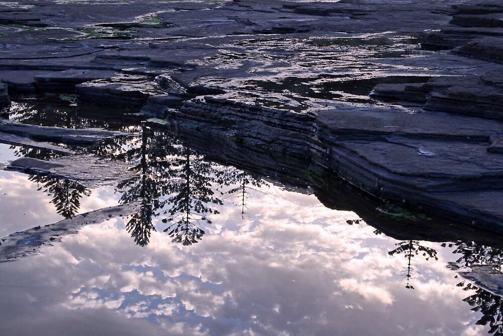 rockpool reflection by sidewaysglance