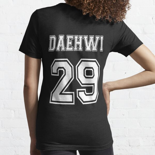 lee daehwi, #29 Essential T-Shirt