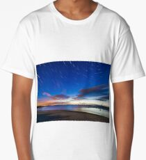 Star trials and cloud in the sky over a white beach Long T-Shirt