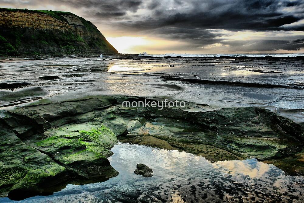 Susan Gilmore Beach, NSW by monkeyfoto