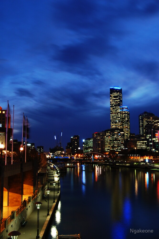 Melbourne Nightshot by Ngakeone