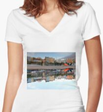 Tenby Harbour Reflection Women's Fitted V-Neck T-Shirt
