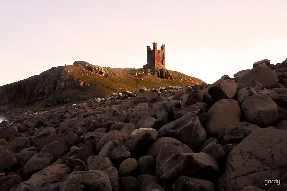 Dunstanbrough Castle by gordy