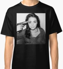 Lindsay Lohan - Gun to head Classic T-Shirt