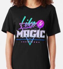 Camiseta ajustada Como una Magia (Fondo Negro)