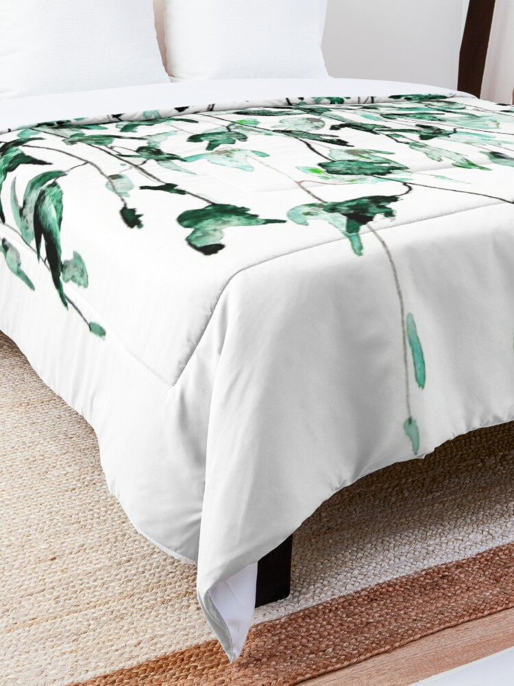 Alternate view of Ivy on the wall watercolor Comforter