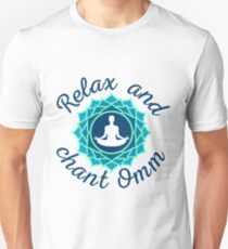 """Azure Mandala and """"Relax and Chant Omm"""" sign T-Shirt"""