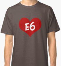 E6 entwickelt sich Classic T-Shirt