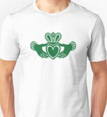 Celtic claddagh Unisex T-Shirt