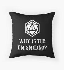 Warum lächelt die DM? Dungeons & Dragons (Weiß) Dekokissen