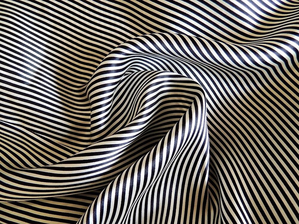 Silk Swirls by Alexandra Lavizzari