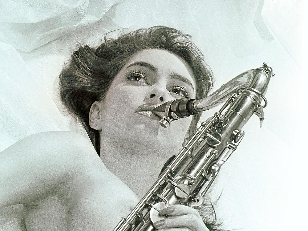 Donna's sax 01 by nixa