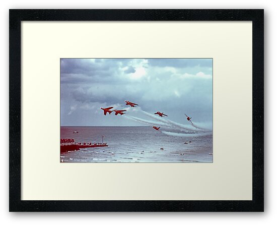 So Low - The Red Arrows, Broadstairs Kent -  1979 by Colin  Williams Photography