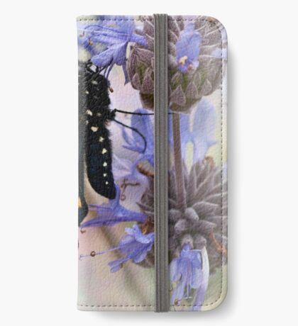 Seine Flügel trocknen iPhone Flip-Case