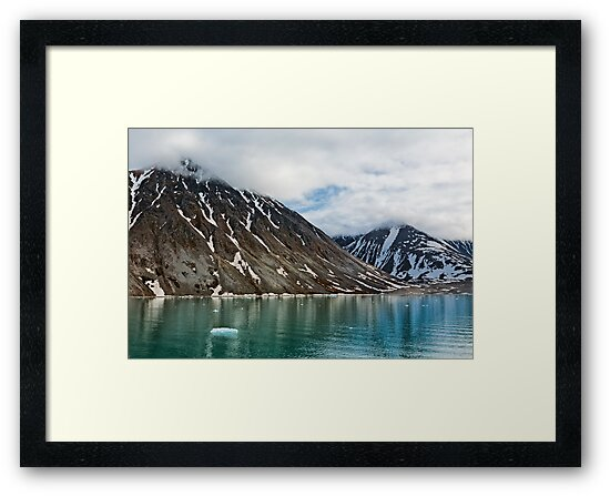 Magdalenafjord in Svalbard islands, Norway by Luigi Morbidelli