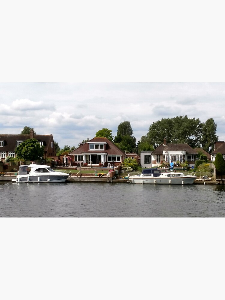 Beautiful houses in Staines England by santoshputhran