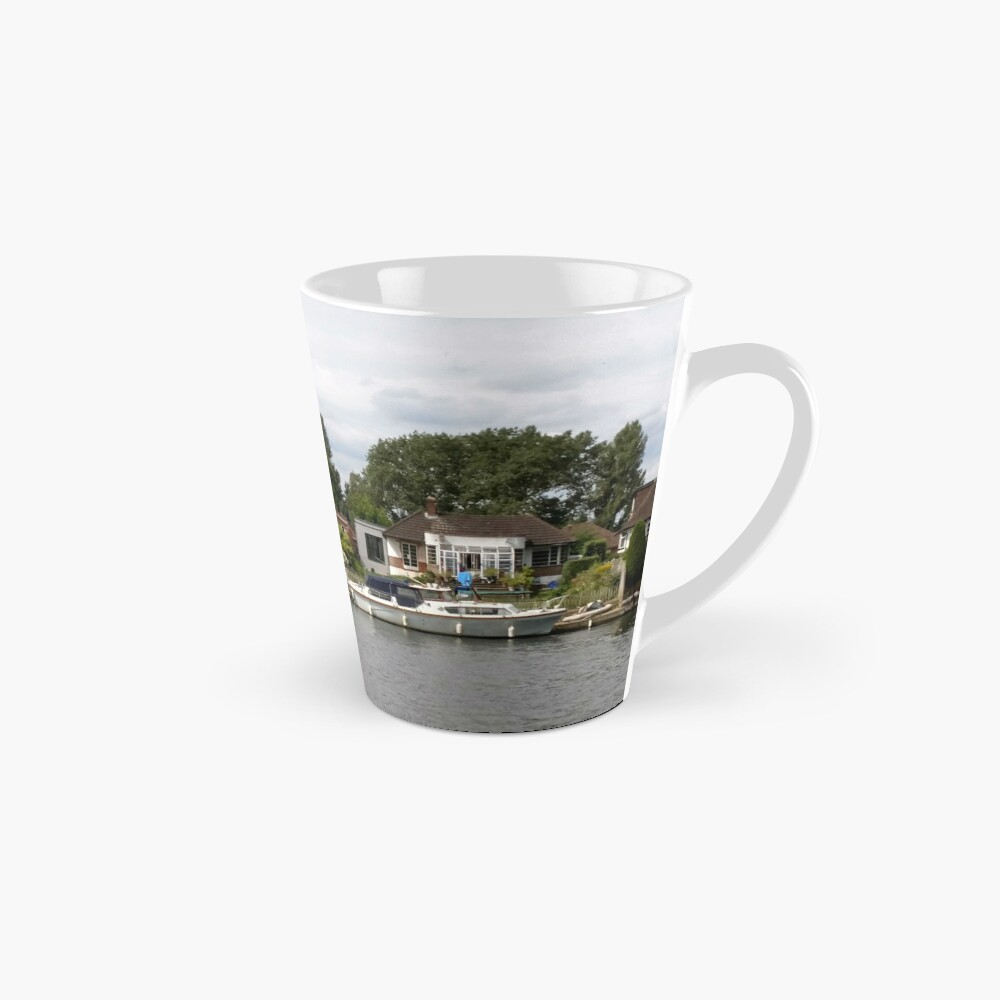 Beautiful houses in Staines England Mug