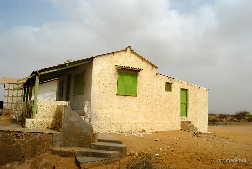Abandoned Beach House by mejmankani
