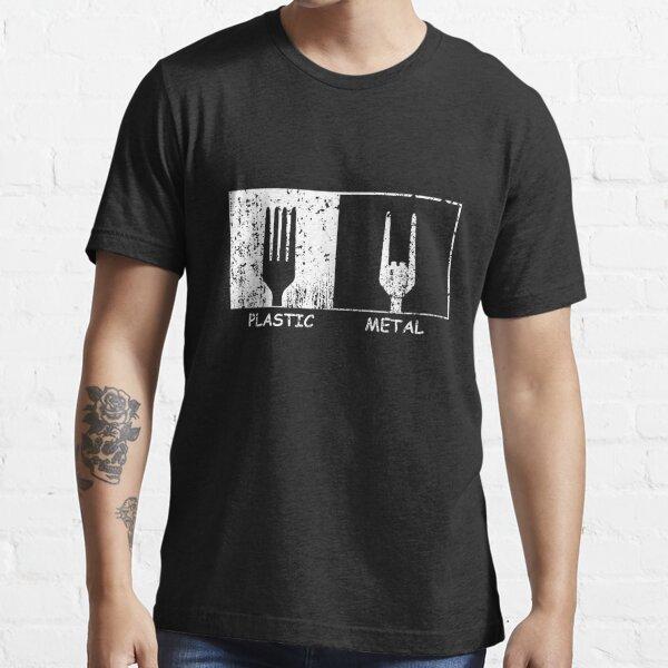 Kunststoff gegen Metall Essential T-Shirt