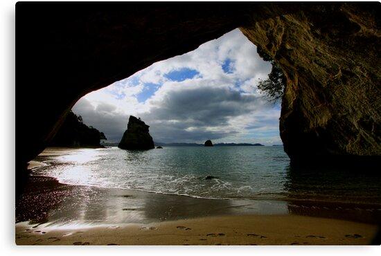 The Cove by Varinia   - Globalphotos