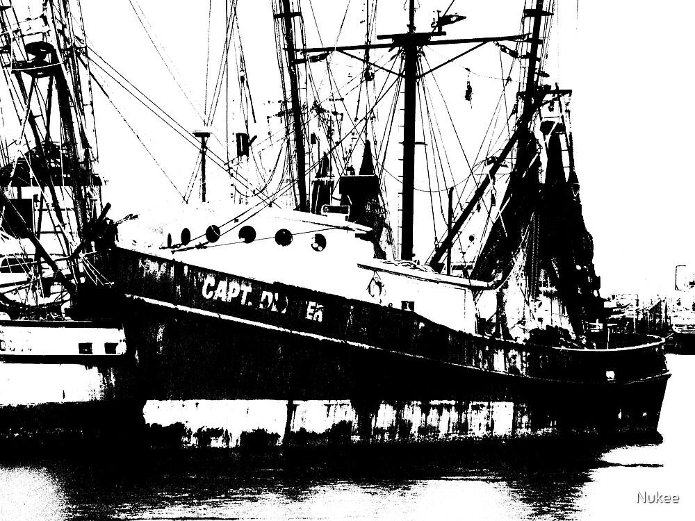 Black & White Ship by Nukee