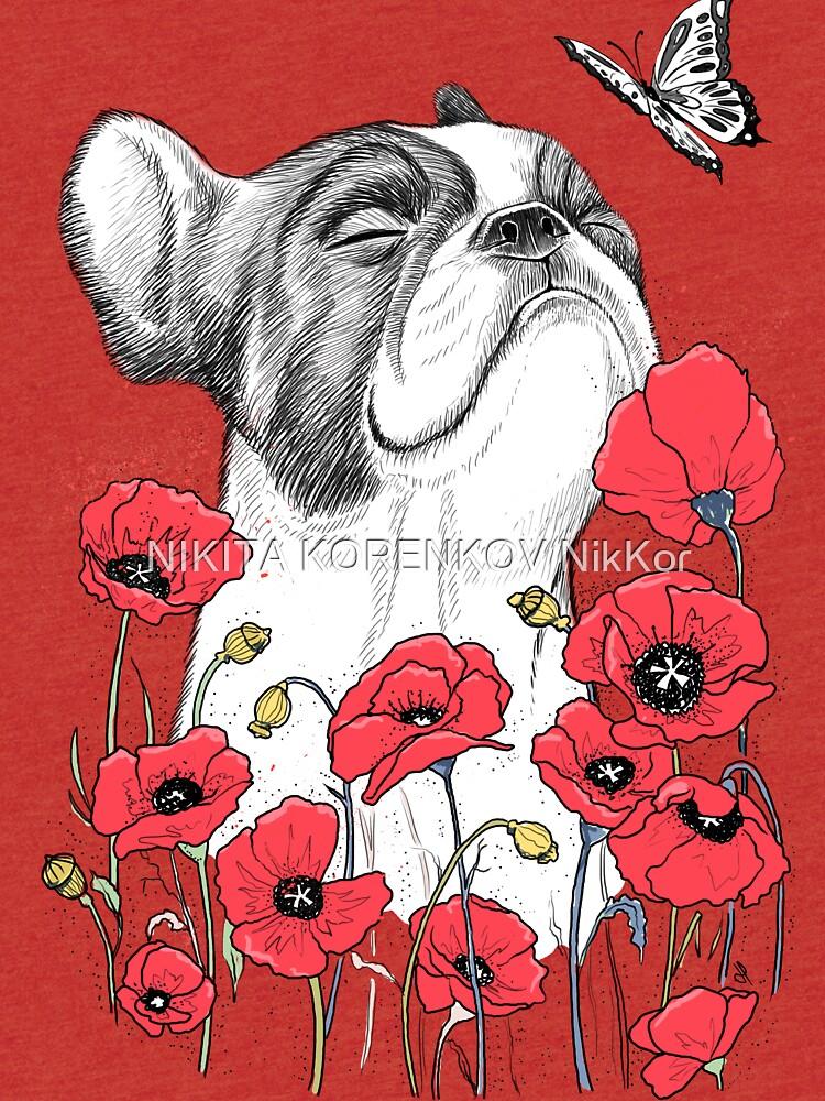 Pug in flowers de NikKor