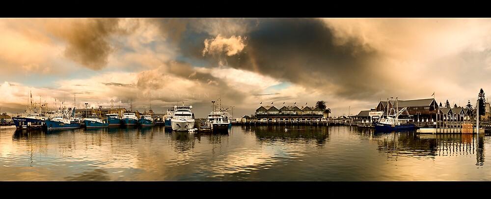 Fremantle Wharf by LukeAustin