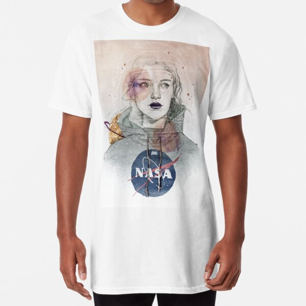 I NEED MORE SPACE Long T-Shirt