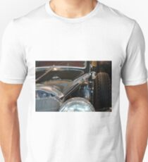 Close up on vintage black shining car T-Shirt