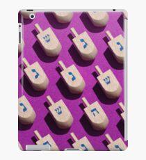 Repeating Pattern Of Hanukkah Dreidels iPad Case/Skin