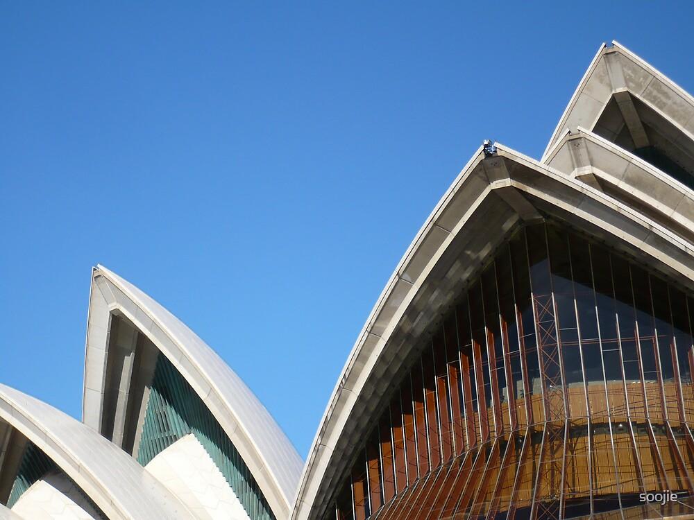 Opera House by soojie