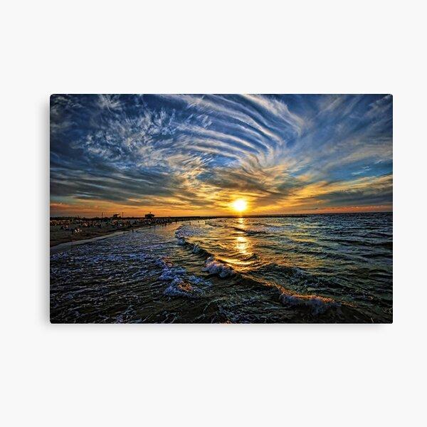 hypnotic sunset  Canvas Print