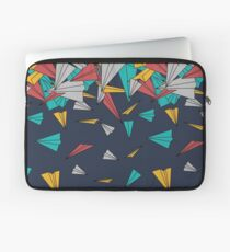 Flying paper planes  Laptoptasche