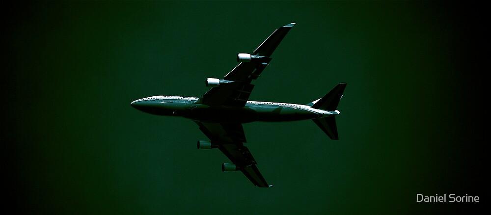 747 in flight by Daniel Sorine