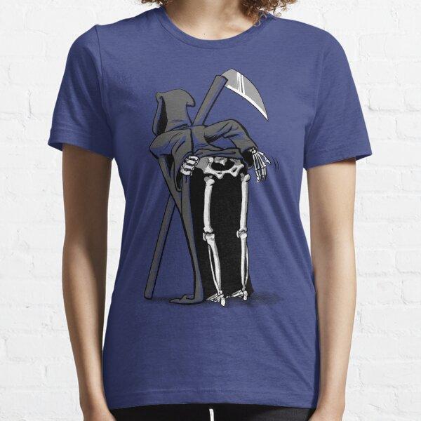 Death Moon Essential T-Shirt