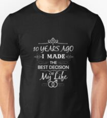 Funny 10th Wedding Anniversary Shirts For Couples. Funny Wedding Anniversary Gifts Unisex T-Shirt