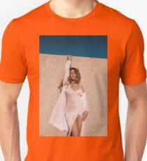DINAH photoshoot T-Shirt