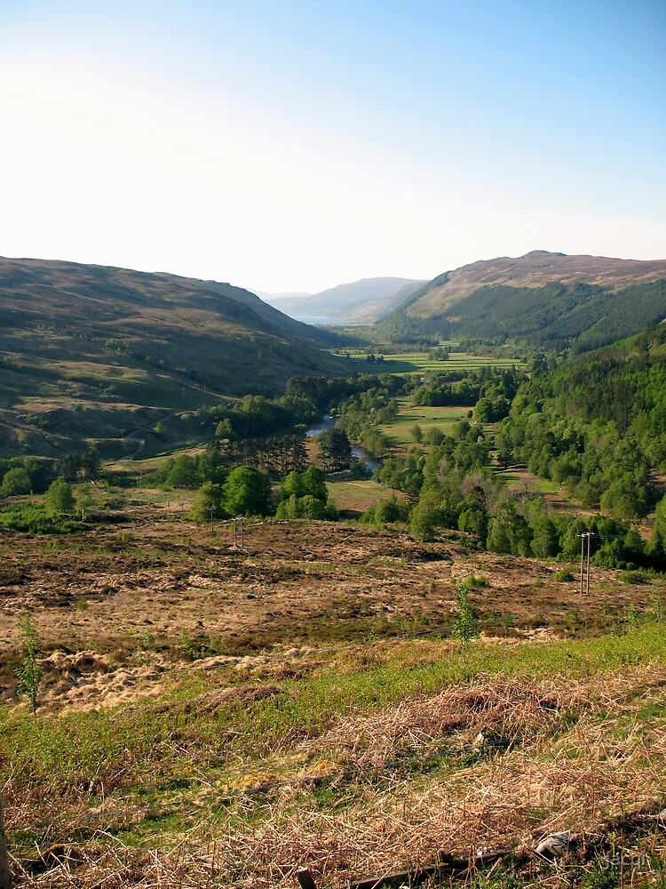 Down The Glen to Ullapool by jacqi