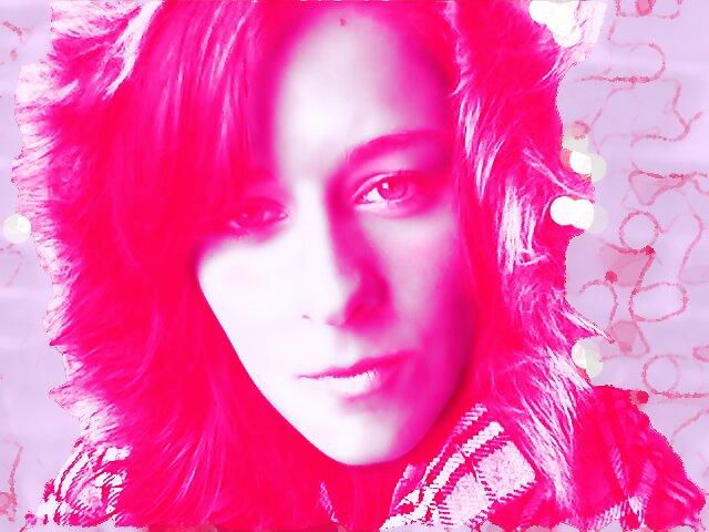 pink girl by Hannah2991