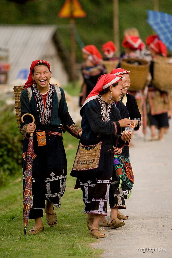 Girls in Red Zao Village by roguephoto